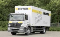 奔驰重型卡车图片