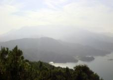 万绿湖山景图片