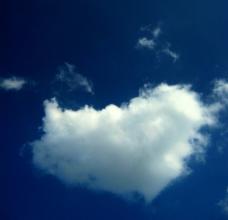 心型云彩图片