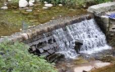 阶梯水流图片