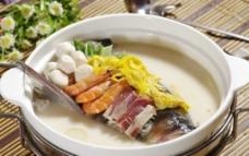 三鲜鱼头汤 菜肴图片