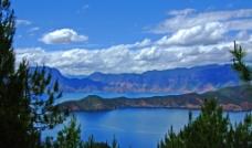 云南泸沽湖风光图片