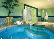 迪拜酒店房间游泳池图片