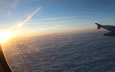 云海之上图片