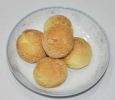 日式鲜奶泡芙图片