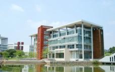湖边建筑图片